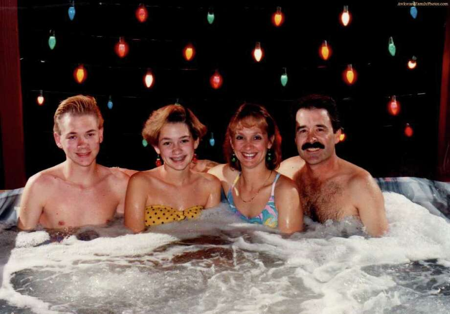 Why don't more families take their Christmas card photos in hot tubs? Photo: Courtesy AwkwardFamilyPhotos.com
