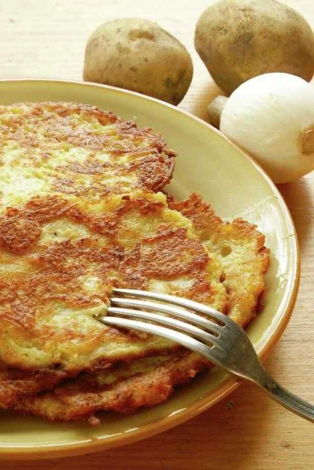 Fried Potato Latkes / Elzbieta Sekowska - Fotolia