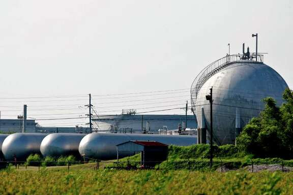 Derick E. Hingle : Bloomberg File GLUT: Natural gas sits in tanks at the Henry Hub, a refinery and storage facility operated by Chevron subsidiary Sabine Pipe Line in Erath, La. Gulf Coast terminals could be affected by exports, unlike most of the rest of the country, an expert says.