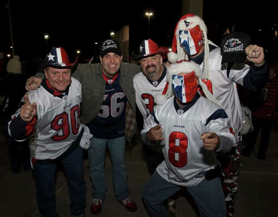 The growing adoration was shown by the turnout at Reliant Stadium to greet the Texans after their win at Cincinnati. Photo: Bob Levey / ©2011 Bob Levey