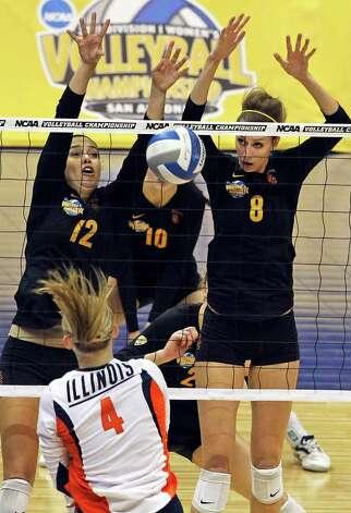 Trojan players block a shot as Illinois plays USC  in a  2011 NCAA National Semifinal match at the Alamodome on December 15, 2011 Tom Reel/Staff Photo: TOM REEL, Express-News / © 2011 San Antonio Express-News