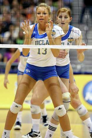 SPORTS   Zoe Nightingale readies at the net as UCLA plays Florida State in a  2011 NCAA National Semifinal match at the Alamodome on December 15, 2011 Tom Reel/Staff Photo: TOM REEL, SAN ANTONIO EXPRESS-NEWS / © 2011 San Antonio Express-News