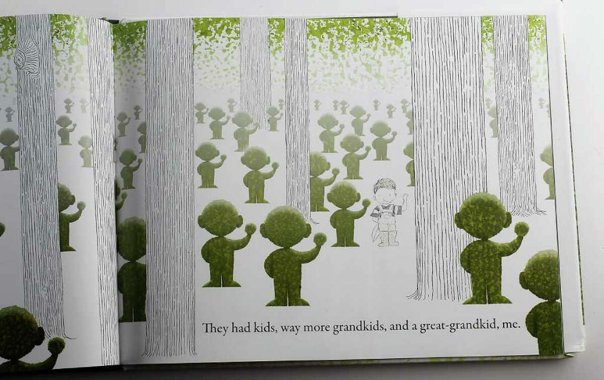 Lane Smith's whimsical line drawings and intriguing sponge paintings lure us into Grandpa Green, a heart-warming story of love and family history.