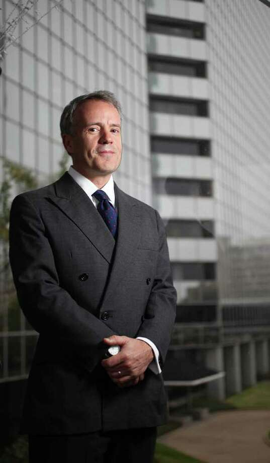 Mayra BeltrÁn : Chronicle BUSY YEAR: Steven Murray, president of Direct Energy's residential business, is the architect behind several of 2011's deals. Photo: Mayra Beltran / © 2011 Houston Chronicle