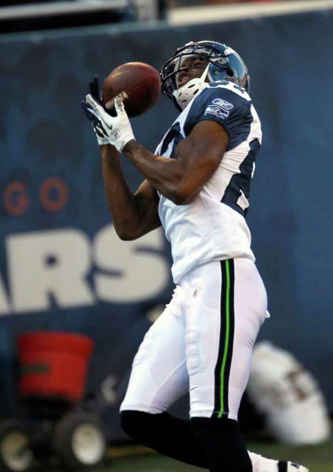 Seattle Seahawks wide receiver Ben Obomanu (87) makes a reception in the second half of an NFL football game against the Chicago Bears in Chicago, Sunday, Dec. 18, 2011. Photo: AP