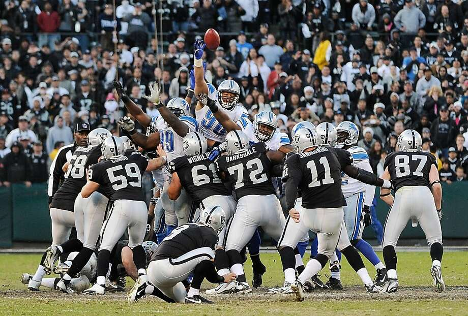OAKLAND, CA - DECEMBER 18:  Kicker Sebastian Janikowsk #11 of the Oakland Raiders misses this long field goal at the end of the game against the Detroit Lions at O.co Coliseum on December 18, 2011 in Oakland, California. The Lions Won the game 28-27. (Photo by Thearon W. Henderson/Getty Images) Photo: Thearon W. Henderson, Getty Images