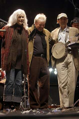 Emmylou Harris, Ricky Simpkins, and Warren Hellman at the conclusion of the eighth Hardly Strictly Bluegrass Festival in San Francisco, Calif., on Sunday, October 05, 2008. Emmylou Harris and her sing-along guests at the end of the day included Warren Hellman on Banjo. Photo: Carlos Avila Gonzalez, The Chronicle