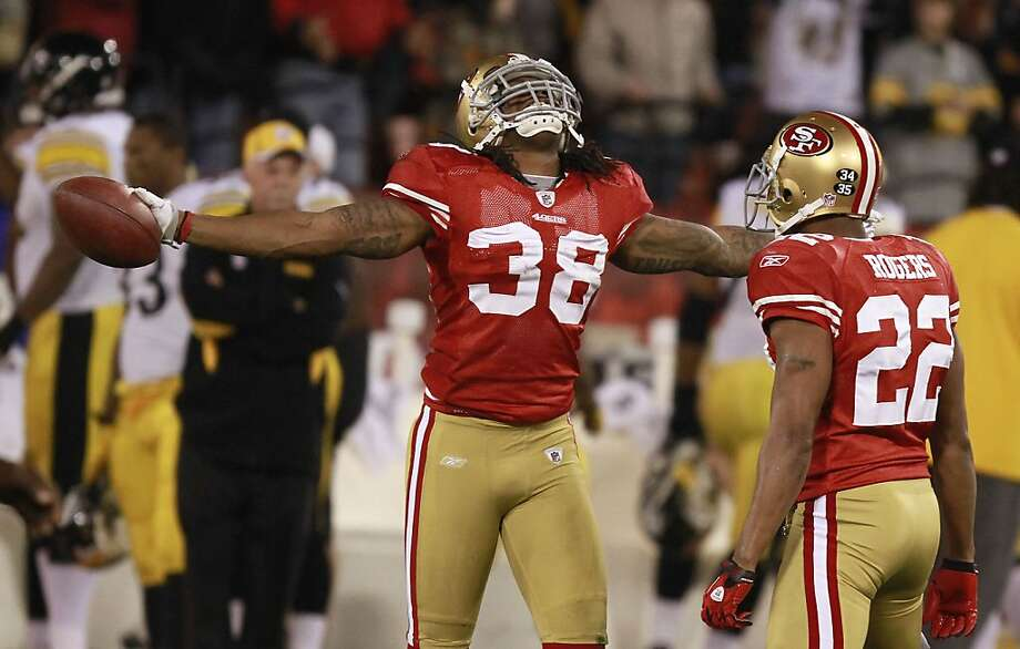 49er Dashon Goldson celebrates his 1st half interception at the San Francisco 49ers vs. the Pittsburg Steelers at Candlestick Park in San Francisco, Calif., on Monday, December 19, 2011. Photo: John Storey, Special To The Chronicle