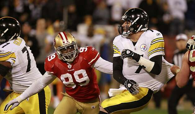 49ers Aldon Smith hurries Pittsburg quarterback Ben Roethlisberger during the San Francisco 49ers vs. the Pittsburg Steelers at Candlestick Park in San Francisco, Calif., on Monday, December 19, 2011. Photo: John Storey, Special To The Chronicle
