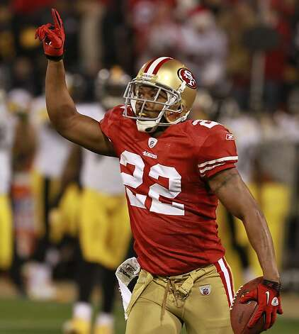 49er's Carlos Rogers celebrates after his interception during the San Francisco 49ers vs. the Pittsburg Steelers at Candlestick Park in San Francisco, Calif., on Monday, December 19, 2011. Photo: John Storey, Special To The Chronicle