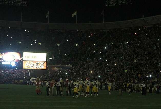 Players on the field when the lights went out for the second time during the San Francisco 49ers vs. the Pittsburg Steelers at Candlestick Park in San Francisco, Calif., on Monday, December 19, 2011. Photo: John Storey, Special To The Chronicle