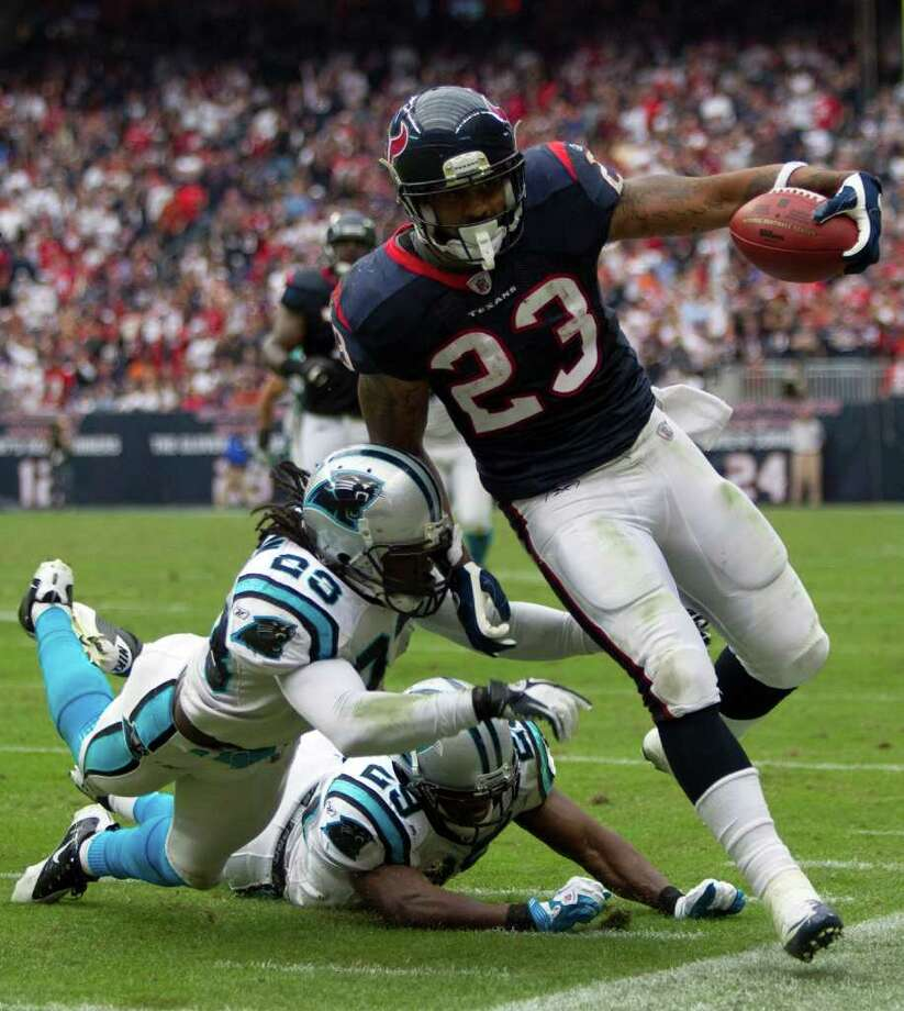 BRETT COOMER: CHRONICLE POUR IT ON: A steady serving of runs by Arian Foster, above, and Ben Tate will help rookie quarterback T.J. Yates recover from his first shaky game. Photo: Brett Coomer / © 2011  Houston Chronicle