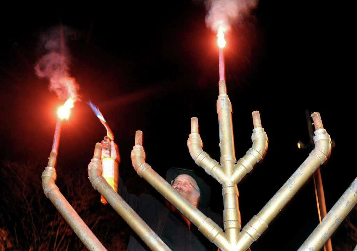 Menorah lighting, Milford Saturday, December 28, 2109 at 6:30 p.m.Outdoor Menorah Lighting followed by indoor celebration at Coldwell Banker. Find out more.