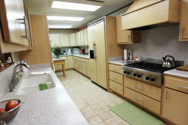 Overview of the kitchen of Sue and Jim Ewers, Friday, December 16, 2011. Photo: JENNIFER WHITNEY, Jennifer Whitney/ Special To The Express-News / special to the Express-News