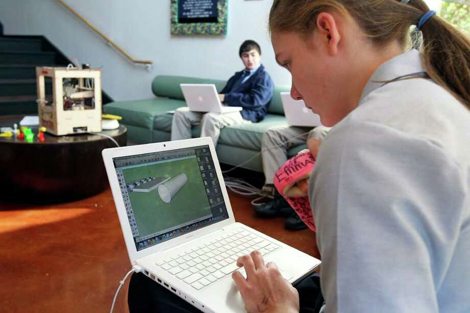 Students makes computer design 3-D reality - San Antonio ...