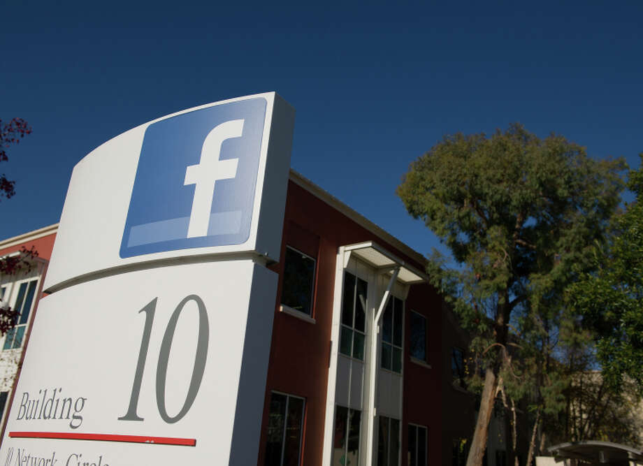 Inside Facebook's New Menlo Park Campus Photo: David Paul Morris / Bloomberg / 2011 Bloomberg Finance LP