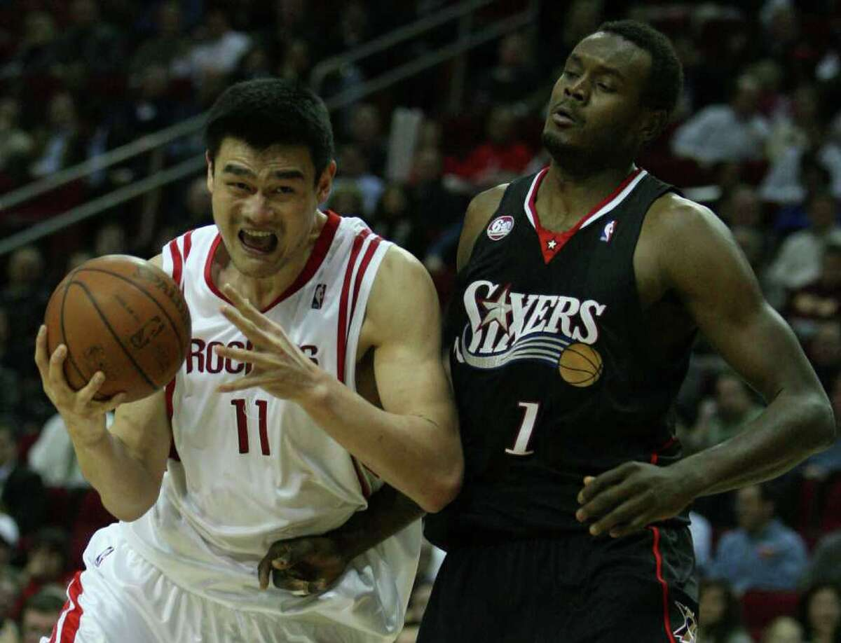 2008-09 Wins before 10th loss:19 Regular season record:53-29 Noteworthy:This Rockets appeared headed for great things before a knee injury ended Tracy McGrady's season after 35 games. Dikembe Mutombo was injured in the second game of the first-round playoff series, and then Yao Ming missed most of the second round with a foot injury that required off-season surgery. The Lakers eliminated the Rockets in the second round.