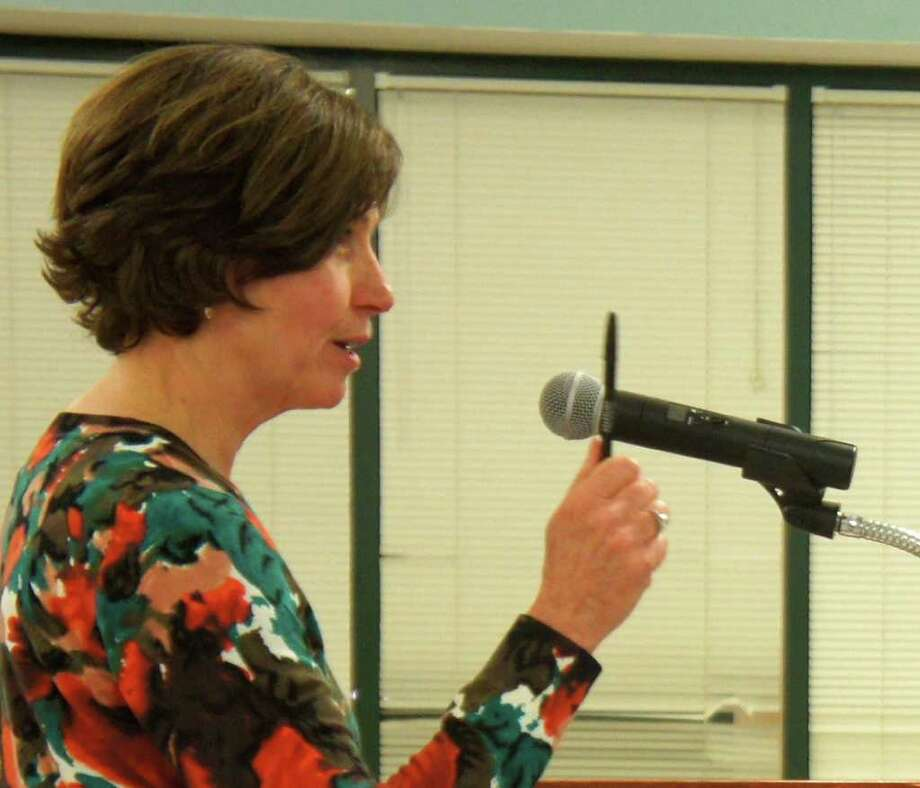 Katie Augustyn, a board member of the Connecticut Association for the Gifted, addresses Monday night's meeting of the Westport Board of Education. Photo: Paul Schott / Westport News