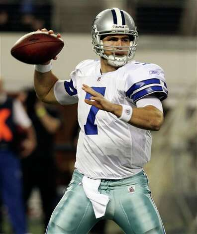 Dallas Cowboys quarterback Stephen McGee (7) looks to pass during the first half of an NFL football game against the Philadelphia Eagles, Saturday, Dec. 24, 2011, in Arlington, Texas. (AP Photo/Sharon Ellman) Photo: Sharon Ellman, Associated Press / FR170032 AP
