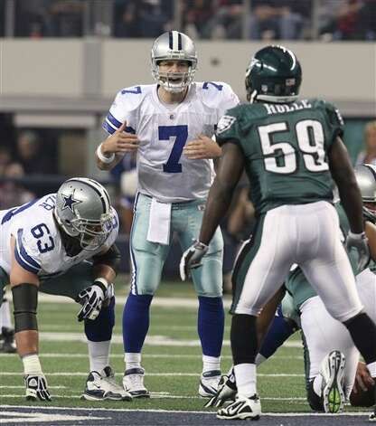 Dallas Cowboys quarterback Stephen McGee (7) lines up during the first half of an NFL football game against the Philadelphia Eagles, Saturday, Dec. 24, 2011, in Arlington, Texas. (AP Photo/Sharon Ellman) Photo: Sharon Ellman, Associated Press / FR170032 AP