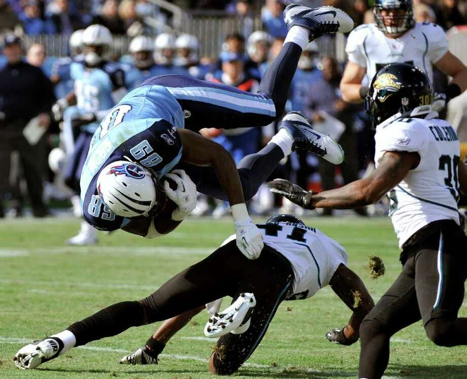 FREDERICK BREEDON: ASSOCIATED PRESS RECORD SETTER: Titans tight end Jared Cook (89) set the franchise record for receiving yards by a tight end Saturday against the Jaguars when he finished with 169 yards. Photo: Frederick Breedon / FR159542 AP