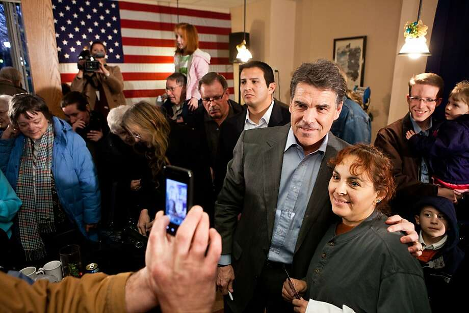 GOP Presidential Hopeful Rick Perry Continues Bus Trip Through Iowa Photo: Brendan Hoffman, Getty