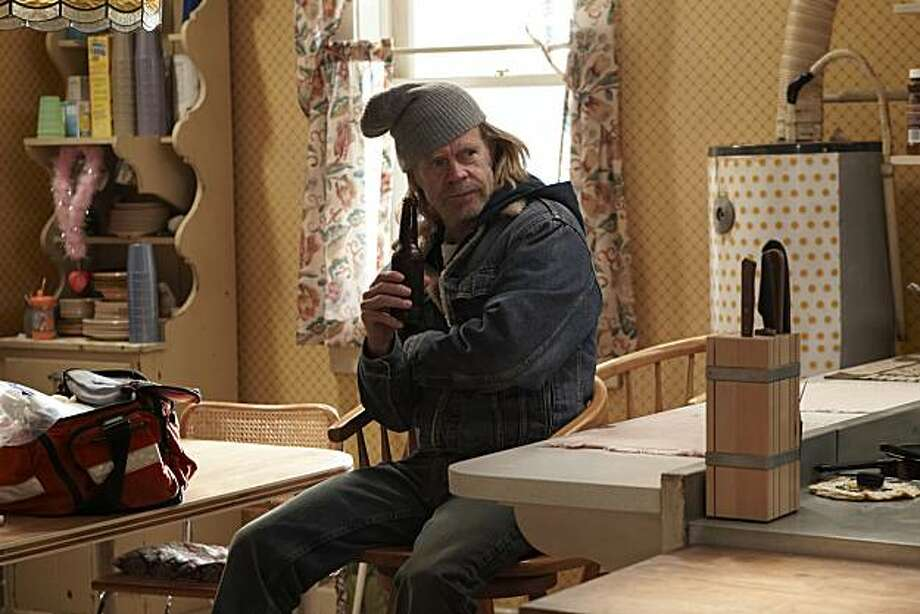 William H. Macy as Frank in Shameless William H. Macy as Frank in Shameless (episode 3) - Photo: Courtesy of SHOWTIME - Photo ID: shameless_103_1640 Photo: Showtime, Courtesy Of Showtime
