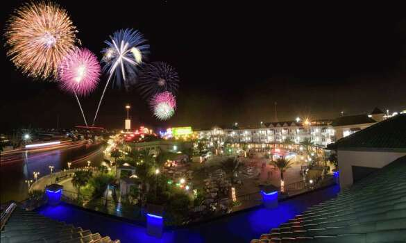 KemahFourth of July Celebration: Features live music and an awesome fireworks show.Where: Kemah BoardwalkWhen: Friday July 4Time: 9:30 p.m.Check kemahboardwalk.com for specific information Photo: Unknown