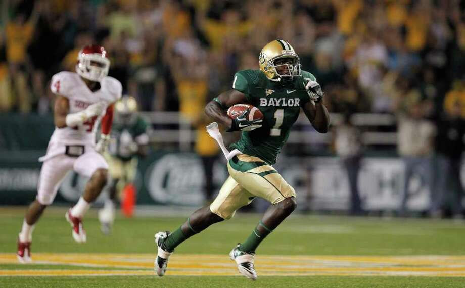 Kendall Wright, a 5-foot-10 senior, is Baylor's leading receiver with 101 catches for 1,572 yards. He has 13 TDs. Photo: Sarah Glenn, Getty Images / 2011 Getty Images