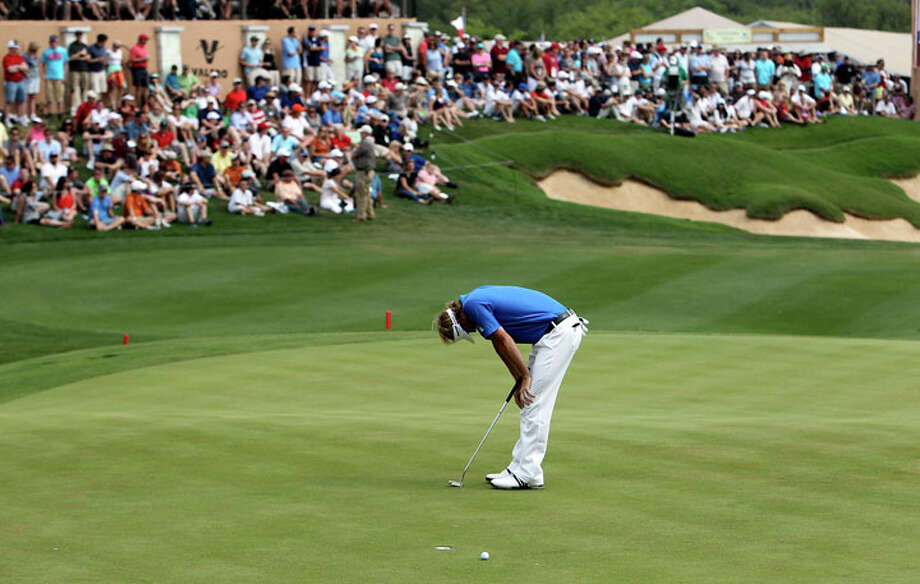 Brandt Snedeker reacts after missing his birdie-putt attempt which would have put him in a tie for the lead at the final round at the 2011 Valero Texas Open at the AT&T Oaks Course at TPC San Antonio on Saturday, April 16, 2011. Snedeker finished fourth. Photo: KIN MAN HUI, Kin Man Hui / San Antonio Express-News