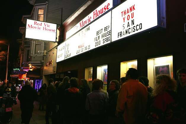 A crowd forms outside the Red Vic Movie House on its last night. Photo: Sarah Adler