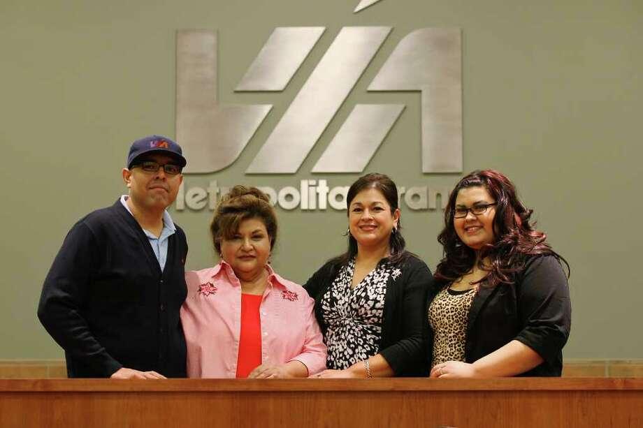 Family members William McColley (from left);  Rosie Vasquez;  Lorraine Guajardo;  and her daughter, Destiny Martinez. Photo: JERRY LARA, San Antonio Express-News / SAN ANTONIO EXPRESS-NEWS