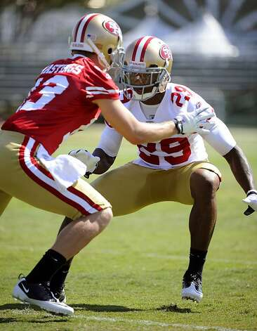 Joe Hastings #13 and Chris Culliver #29 of the San Francisco 49ers go up against each other in a 7 on 7 drill during practice at the San Francisco 49ers training facility on July 30, 2011 in Santa Clara, California. Photo: Thearon W. Henderson, Getty Images