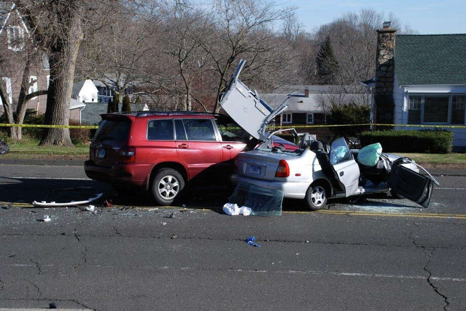 Stratford crash victim extricated - Connecticut Post