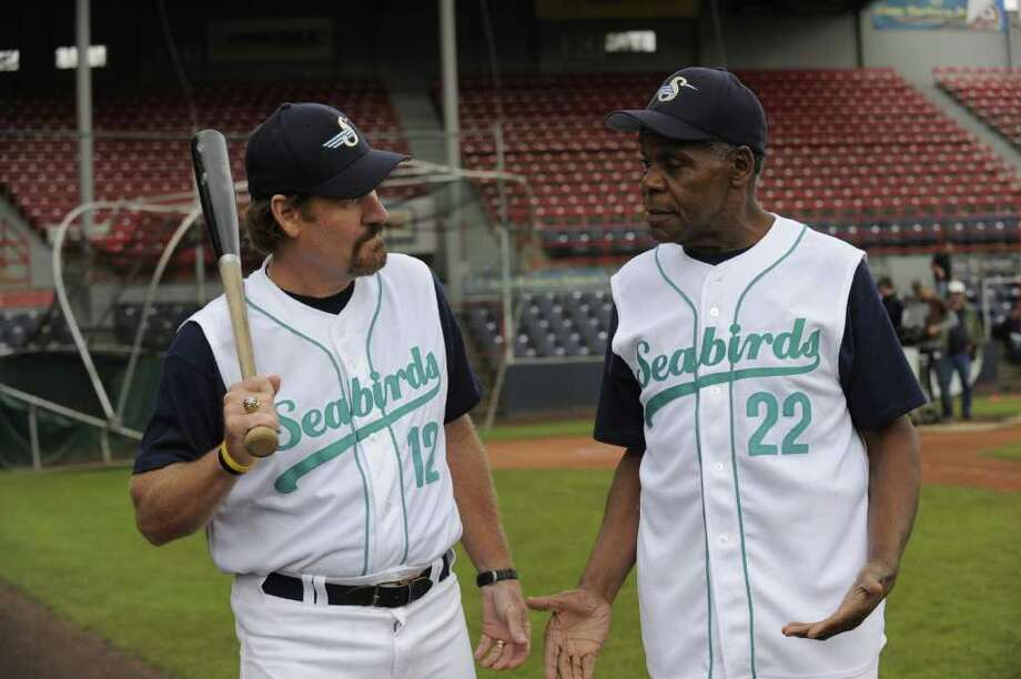 """PSYCH -- """"Dead Man's Curveball"""" Episode 606 -- Pictured: (l-r) Wade Boggs as himself, Danny Glover as Mel Hornsby -- Photo by: Alan Zenuk/USA Network Photo: Alan Zenuk / ? USA Network"""