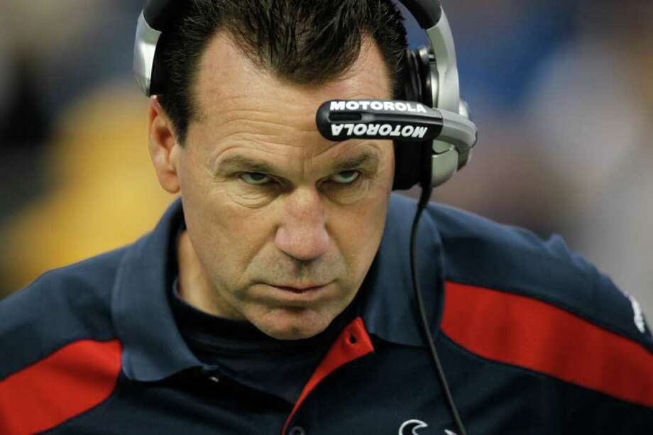 Dec. 4, 2011 | Houston Texans head coach Gary Kubiak stares out onto the field before the start an NFL football game against the Atlanta Falcons at Reliant Stadium. Photo: Karen Warren, Houston Chronicle / © 2011 Houston Chronicle