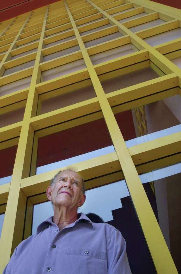 METRO - Ricardo Legorreta, the Mexican architect who designed the Central Library, is in town to celebrate the library system's 100th anniversary on June 7, 2003. Photo: CARRIE J. JENSEN / SAN ANTONIO EXPRESS NEWS