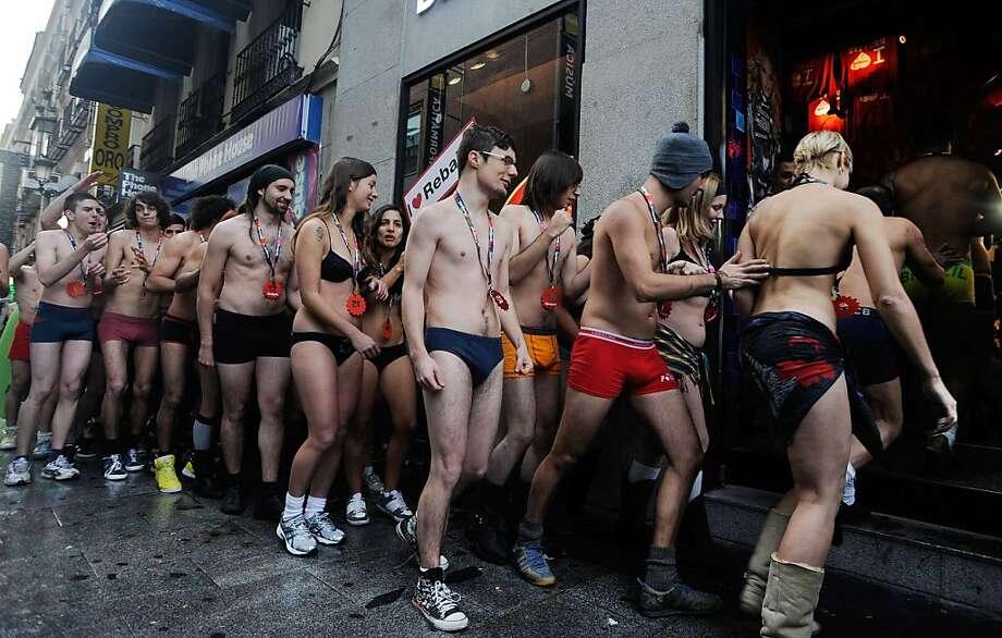 Фото обычных голых людей