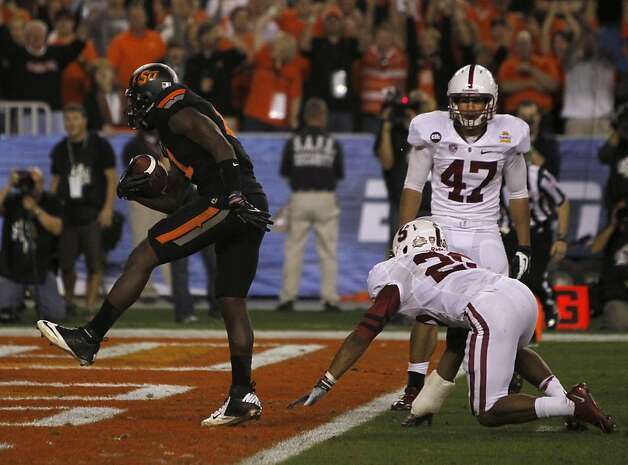 Oklahoma State Cowboys receiver Justin Blackmon struts into the end zone and scores a touchdwn late in the fourth quarter against the Stanford Cardinal at the Fiesta Bowl game in Glendale, Ariz. on Monday, Jan. 2, 2012. Photo: Paul Chinn, The Chronicle