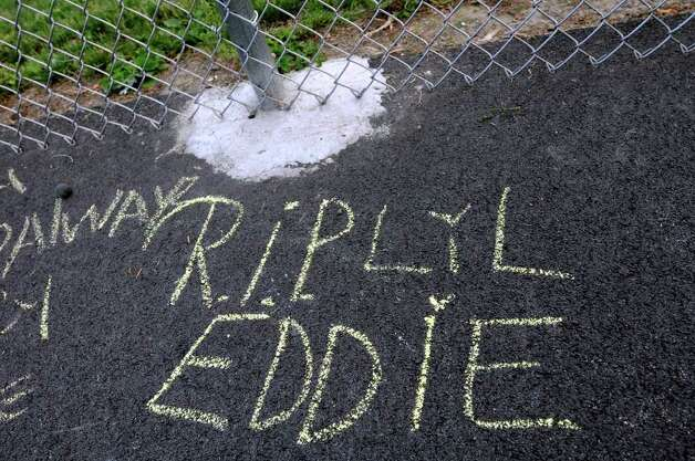 Friends leave a message for Eddie Stanley on the basketball court on Thursday, June 16, 2011, at Central Park in Schenectady, N.Y. Stanley, who was a standout basketball player, was shot and killed the previous week. (Cindy Schultz / Times Union archive) Photo: Cindy Schultz / 00013582A