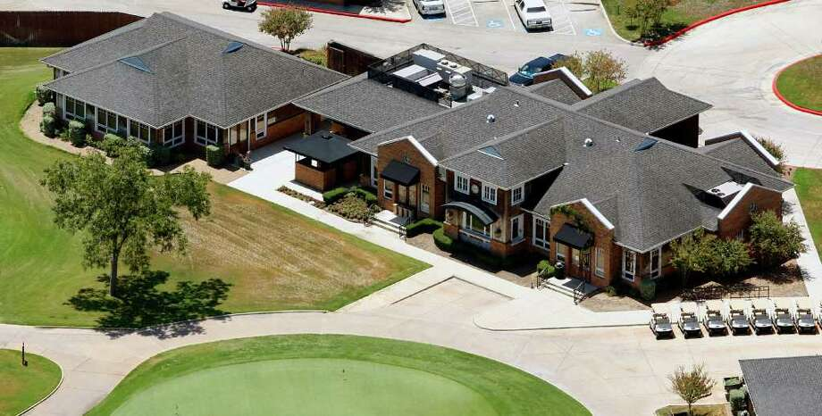 City officials only learned Monday about the impending closure of the historic Pecan Valley Golf Club. Photo: WILLIAM LUTHER, SAN ANTONIO EXPRESS-NEWS / 2011 SAN ANTONIO EXPRESS-NEWS