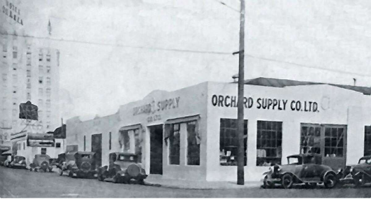 1933, Orchard outgrows Bassett Street location and moves to 44 Vine Street near the De Anza hotel. Orchard Supply Co. Ltd. features off-street parking and an adjoining warehouse.