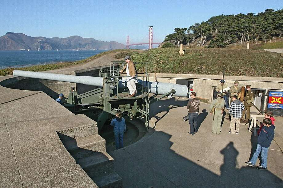 Loading demonstrations at Battery Chamberlin Photo: National Park Service