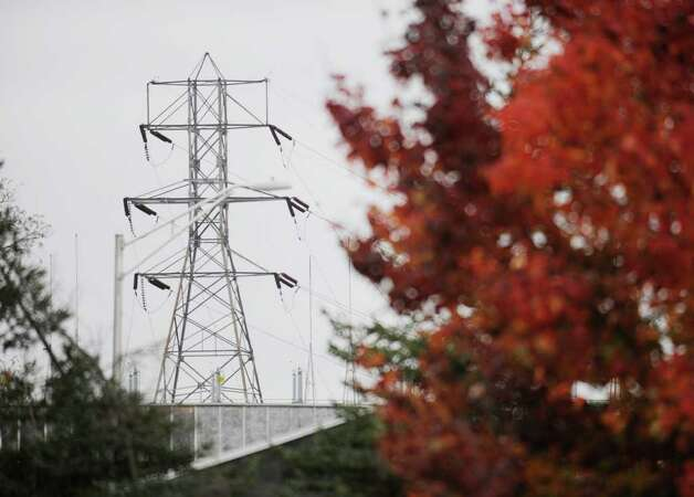 Transmission lines in Albany,  New York October 30, 2009.    FOR RULISON STORY (Skip Dickstein/Times Union) Photo: Skip Dickstein / 2008
