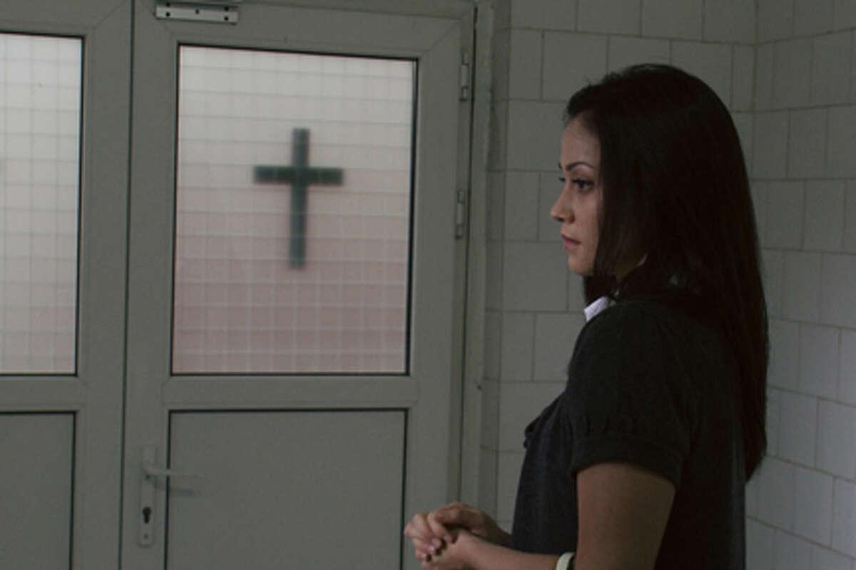 Fernanda Andrade as Isabella Rossi in