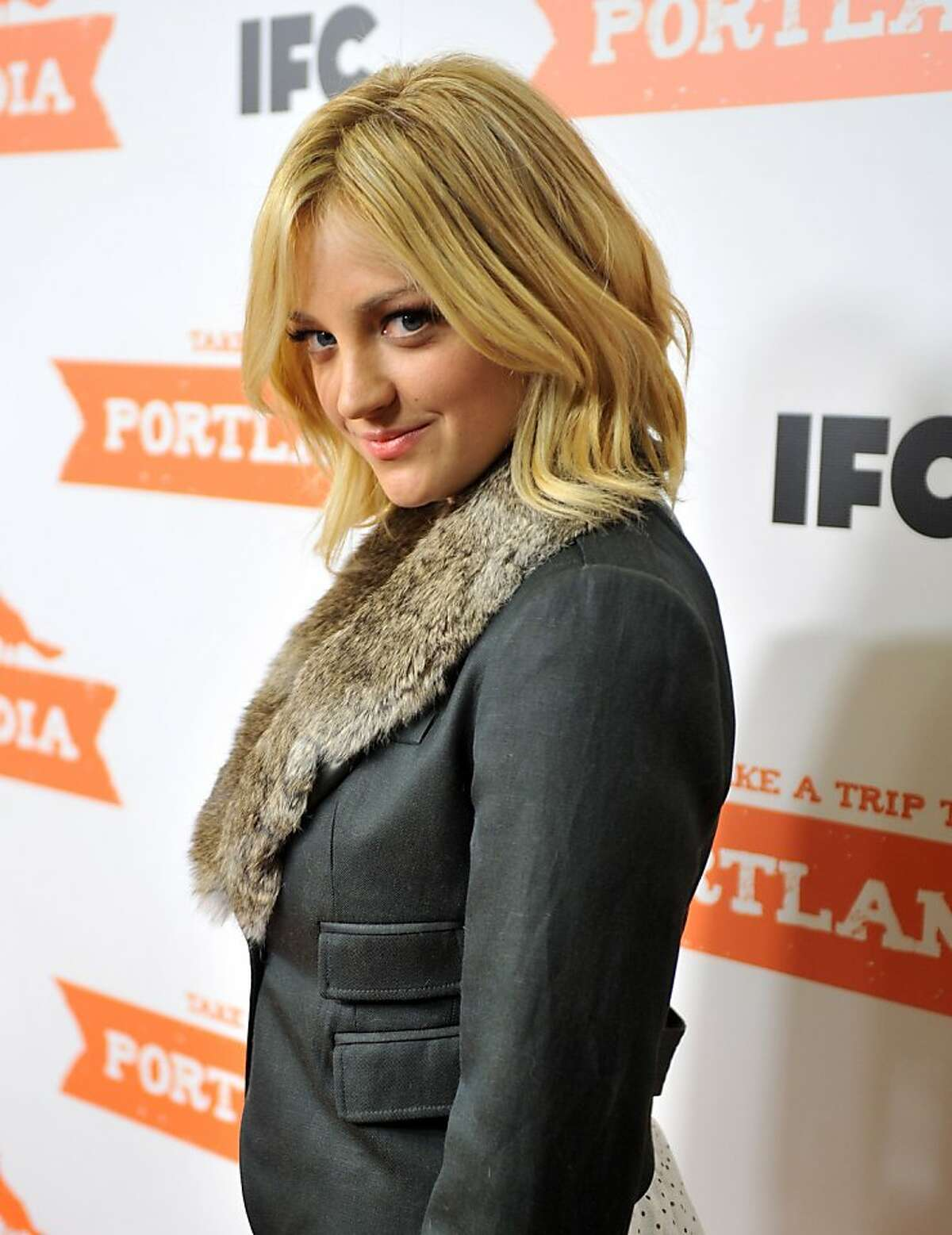 """Actress Abby Elliott atttends the """"Portlandia"""" season 2 premiere screening at the American Museum of Natural History on January 5, 2012 in New York City. (Photo by Stephen Lovekin/Getty Images)"""