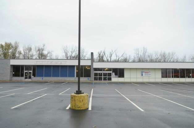 A view of the  Former Office Max on Wolf Rd. on Tuesday, Nov. 29, 2011 in Colonie, NY.  This site is likely to beome home to Capital Region's first Trader Joe's.  (Paul Buckowski / Times Union) Photo: Paul Buckowski / 00015572A