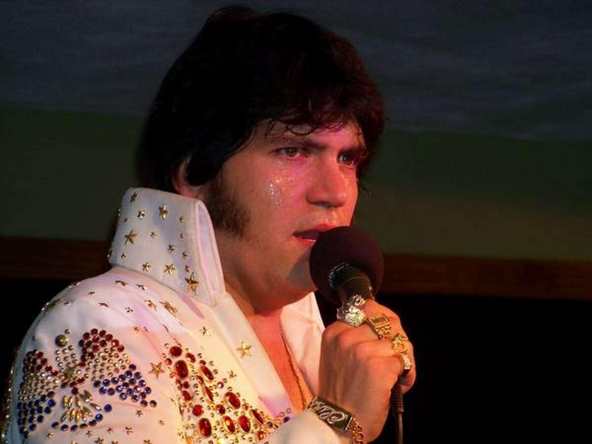 Joe Ramsey performing as Elvis Presley. (joeramsey.webs.com)