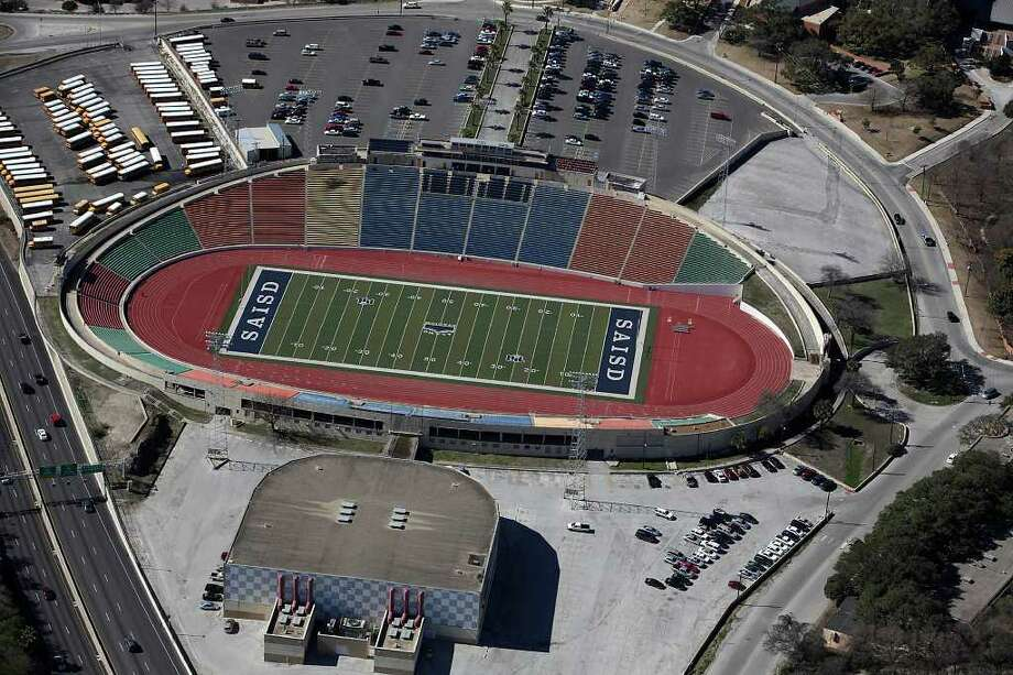 Upgrading Alamo Stadium was included in a bond voters approved in November. Photo: JERRY LARA, San Antonio Express-News / glara@express-news.net