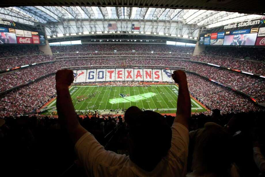 This is how much an average ticket will cost fans at NFL stadiums across the country. Photo: Smiley N. Pool, Houston Chronicle / © 2012  Houston Chronicle